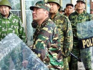 Выступления оппозиции в Киргизстане перекинулись в столицу и другие города