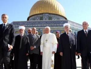 В скандале вокруг папы Римского имеется сиониский след — эксперт