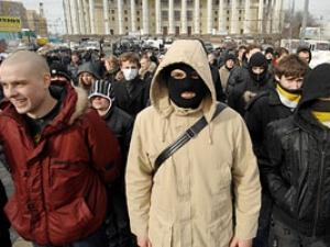 Поощрение нацистского движения в России обернется против власти — эксперты