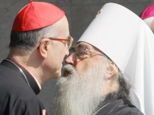 Кардинал оправдывает обет безбрачия связью педофилии с гомосексуализмом