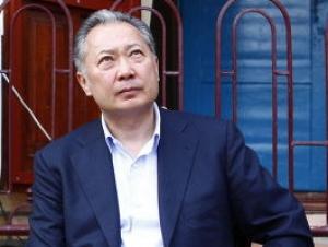 Брат Бакиева назвал фальшивкой сообщение об отставке президента