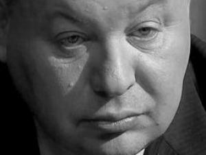 Осквернена могила Егора Гайдара
