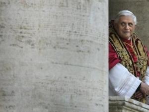 На папу Римского подали в суд