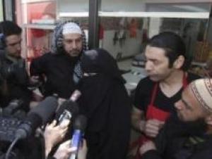 Француженку, оштрафованную за ношение никаба за рулём, хотят лишить мужа