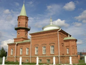 Тоболяки ищут место для намаза в связи с предстоящим закрытием мечети