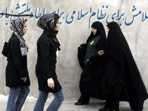 В Иране прошли марши в поддержку хиджаба