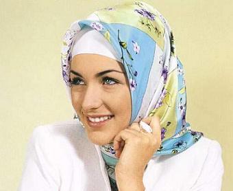 В Германии выставлены женщины в хиджабах
