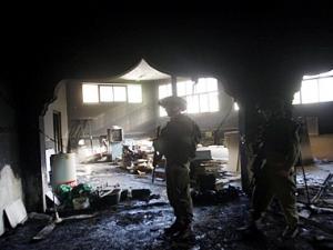 Еврейские поселенцы подожгли мечеть
