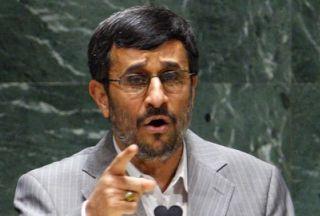 """Махмуд Ахмадинежад: """"Никто не осмелится напасть на Иран"""""""