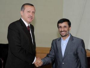 Иран согласился обогащать уран только в Турции
