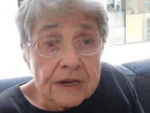 Она потеряла родителей  в Аушвице и  протянула руку помощи Газе