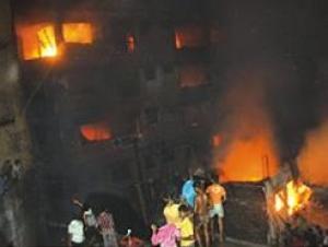 Сотни людей пострадали при пожаре в Бангладеш