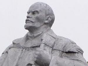 В Подмосковье хулиганы сломали Ленина