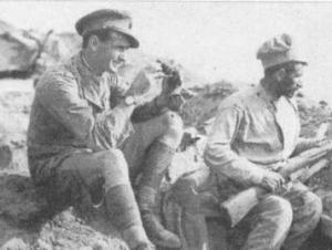 Английский офицер и армянский боевик в одном окопе Первой мировой войны