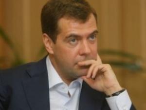 Медведев назвал критической ситуацию в секторе Газа