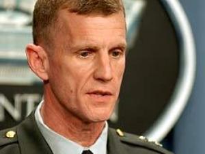 Командующий силами НАТО в Афганистане подал в отставку