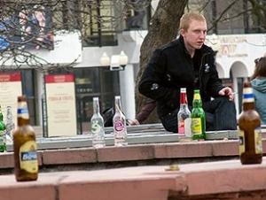 В Кировской области вступает в силу запрет на распитие пива на улицах