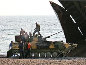 Россия поставит палестинцам бронетранспортёры и муку