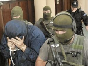 Бродский в сопровождении конвоя польской полиции