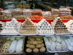 Жители Турции уже закупают сладости к празднику