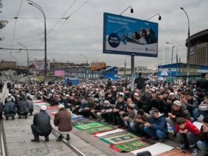 Кто кошмарит московских мусульман