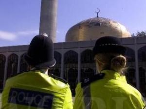 За что полиция хвалит мусульман?