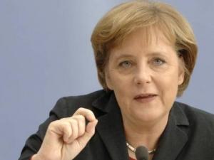Меркель призывает к воспитанию национально-культурного самосознания