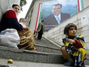 Президент Таджикистана озабочен платой за доставку тел погибших мигрантов