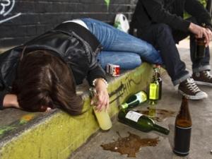 Алкоголь и наркотики: что токсичнее?