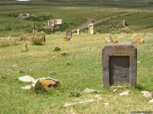В Нижнем Новгороде вандалы разгромили мусульманское кладбище