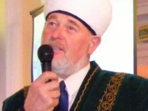 Открыв в своем доме мечеть, пенсионер строит жилье для имама