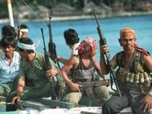 Сомалийские пираты захватили танкер с маслом и россиянином на борту