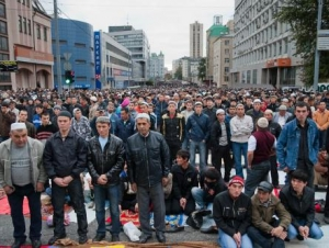 На Курбан-байрам в районе центральной мечети Москвы ограничат движение транспорта