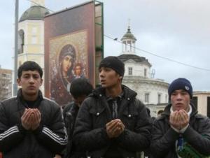 Собянин обещал поддержку РПЦ в строительстве храмов