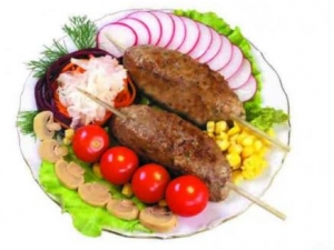Мусульмане готовят праздничное угощение для всех москвичей