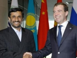 Медведев и Ахмадинежад проведут переговоры в Баку