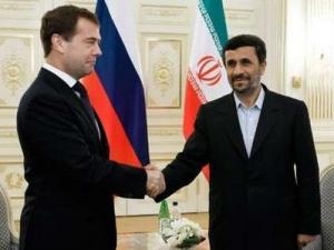 Разговор Медведева и Ахмадинежада носил открытый характер – Кремль
