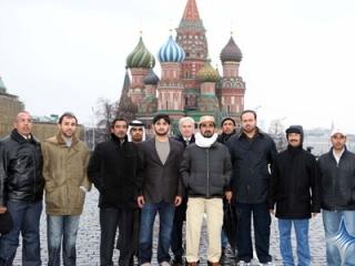 Московские арабы говорят о проблемах, появившихся из-за коллективных намазов