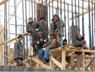 Потребность в иностранных работниках увеличивается — квота уменьшается