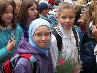 Московская школьница и хиджаб