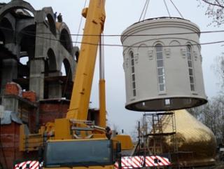 Москвичи выступили против строительства православных церквей