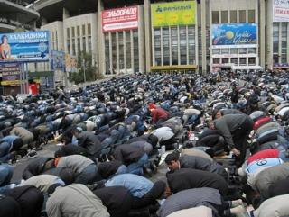 Власти Москвы не предложили мусульманам новых адресов для возведения мечети
