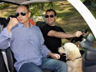 """Путин советует """"успокоиться"""" авторам теории раскола его взаимодействия с Медведевым"""