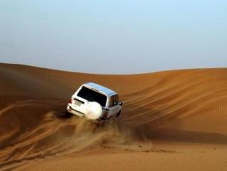 Сафари на джипах - традиционное развлечение в некоторых арабских странах