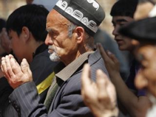 Наряду с исламизацией Киргизии отмечается распространение благотворительных фондов