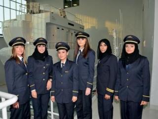 Стюардессам разрешили носить хиджаб