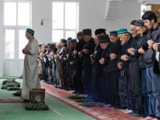 Депутатам в пятницу в мечеть
