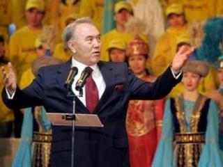 В Казахстане соберут подписи за референдум о продлении полномочий Назарбаева