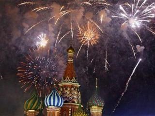 Москвичам  все же дадут погулять по Красной площади в новогоднюю ночь