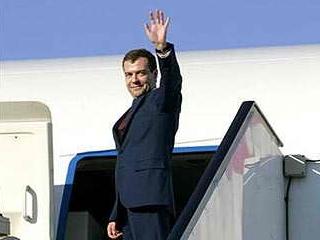 Дмитрий Медведев отправляется в ближневосточное турне
